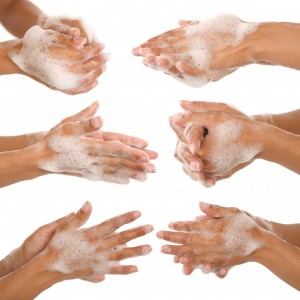 Perite ruke sapunom i vodom